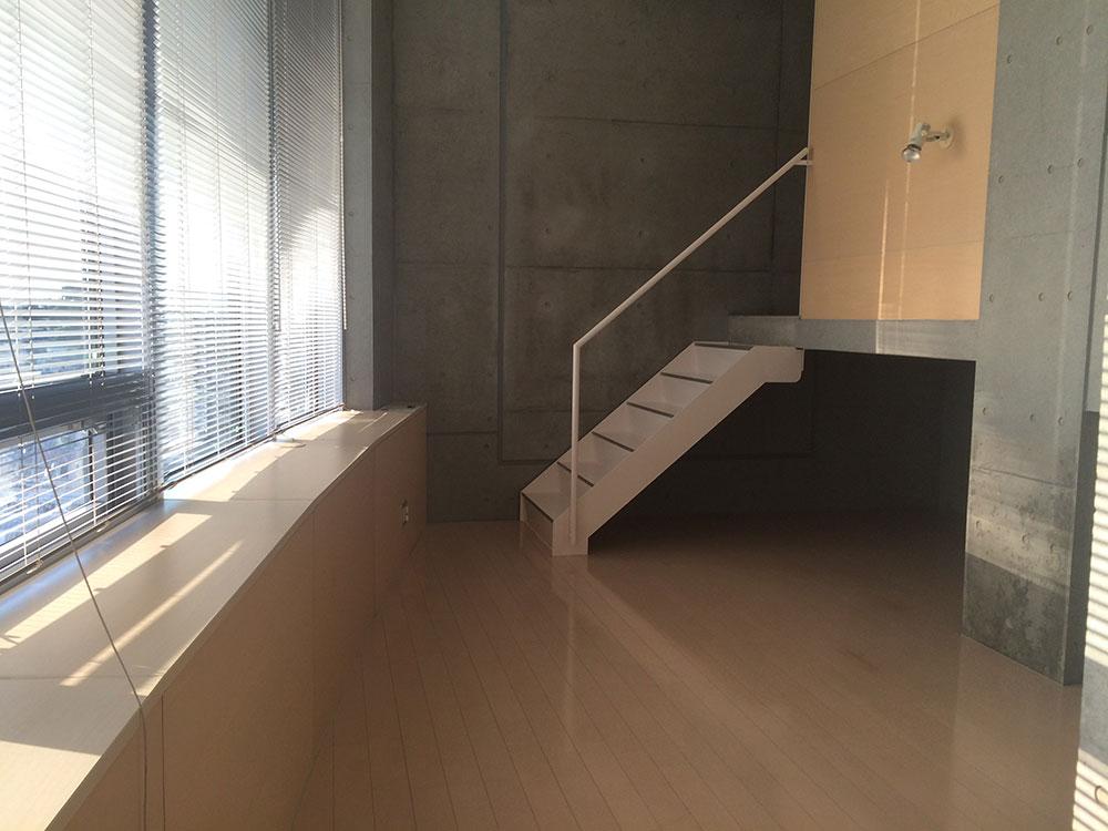 キッチン側から見た居室