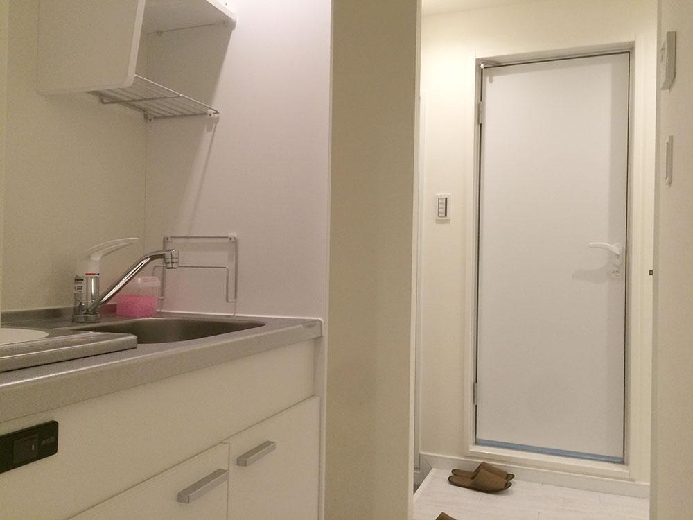 ピアニシオン・ブローニュクレスト102 玄関とキッチン